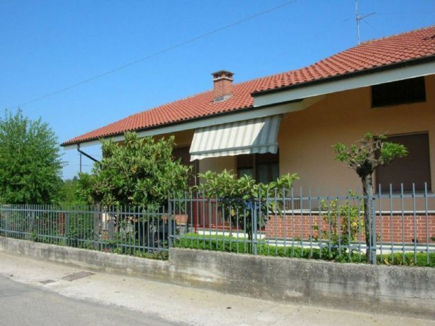 Foto 2 di Villa Cortanze