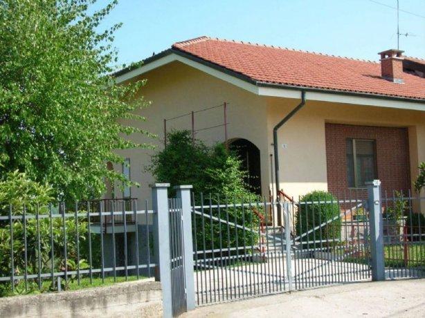 Foto 3 di Villa Cortanze