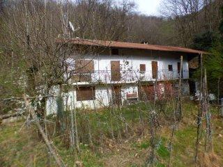 Foto 1 di Rustico / Casale Via Cottura n.19 LUNGASERRA, Barge