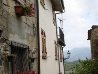 Foto 1 di Casa indipendente  frazione Carrodano Superiore, Carrodano