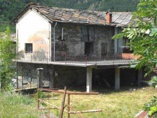 Foto 1 di Rustico / Casale frazione Depot, Fenestrelle
