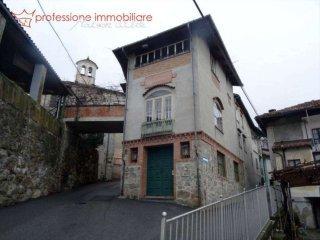 Foto 1 di Porzione di casa via Garibaldi, Quassolo