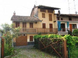 Foto 1 di Casa indipendente via Guiseppe Valperga, frazione Masino,  Caravino