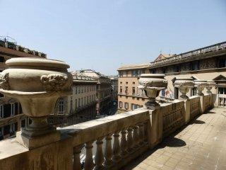 Foto 1 di Palazzo / Stabile Genova (zona Centro città)