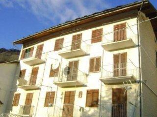 Foto 1 di Palazzo / Stabile via della Fontana, Monastero Di Lanzo