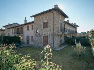 Foto 1 di Villa a Schiera via del Vallone, Frossasco