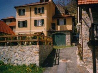 Foto 1 di Casa indipendente via Vaccarezza, Casella