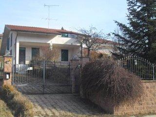 Foto 1 di Villa Località Ravanello, Frinco