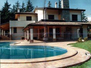 Foto 1 di Villa via della Quercia, frazione Pianoro Vecchio, Pianoro
