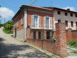 Foto 1 di Casa indipendente via Roma, Alfiano Natta