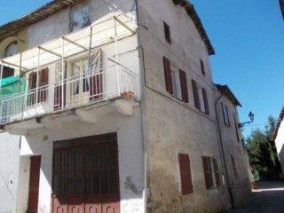 Foto 1 di Casa indipendente via Umberto I 49, frazione Prata, Lesegno