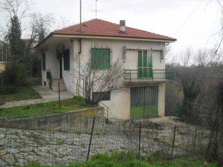 Foto 1 di Villa via Luogo, Camerano Casasco