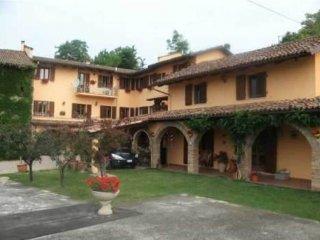 Foto 1 di Rustico / Casale via Donato Aluffi, Agliano Terme