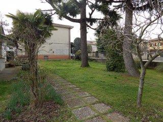 Foto 1 di Villa via Carlo Alberto 4, Cassolnovo