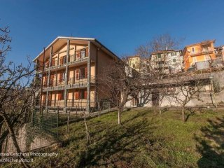 Foto 1 di Villa Frazione Noceto 131, frazione Noceto, Vobbia