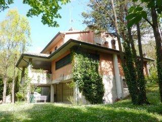 Foto 1 di Villa strada Provinciale 59, frazione Vado, Monzuno