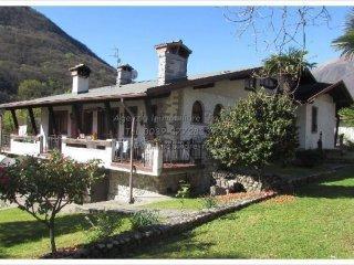 Foto 1 di Villa via Borzoni 6, Mergozzo