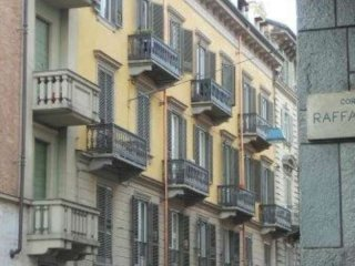 Foto 1 di Bilocale via ormea, Torino (zona San Salvario)