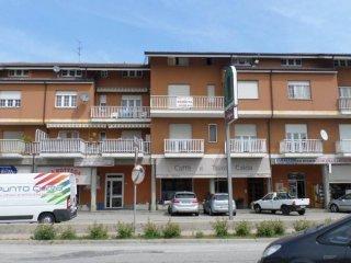 Foto 1 di Quadrilocale piazza Cesare Battisti 7, frazione San Giuseppe, Castagnito