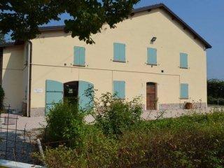 Foto 1 di Casa indipendente via Vittorio Alfieri 8, frazione Santa Maria Della Fossa, Novellara