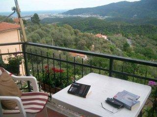 Foto 1 di Bilocale via Conscente, Arnasco