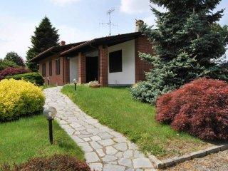Foto 1 di Villa via Ettore Perrone, Cossano Canavese