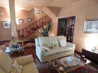 Foto 1 di Villa frazione Madonna Dell'olmo, Cuneo