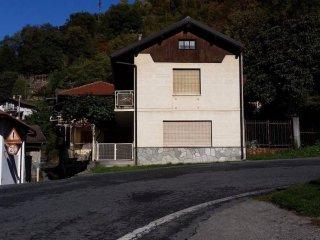 Foto 1 di Casa indipendente Borgata Giagli 7, Condove