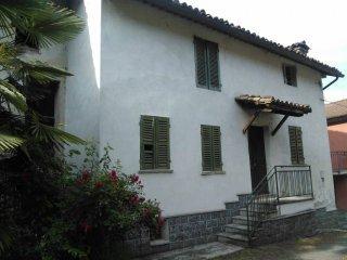 Foto 1 di Casa indipendente Castel Boglione