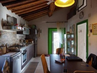 Foto 1 di Quadrilocale via Umberto I, Montalcino