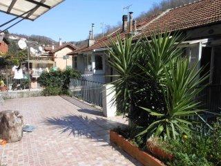 Foto 1 di Quadrilocale via Piave, frazione Ponte Rosso, Mignanego