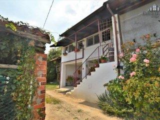 Foto 1 di Casa indipendente via Vigne, Castelnuovo Nigra