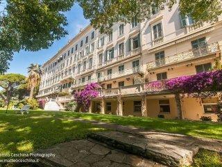Foto 1 di Bilocale via Capolungo, 24, Genova (zona Quinto-Nervi)