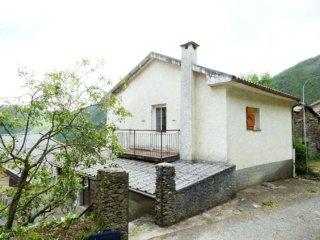 Foto 1 di Casa indipendente via Corsiglia, frazione Corsiglia, Neirone