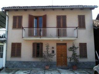 Foto 1 di Rustico / Casale strada Pocola 41, frazione Poccola, Tigliole