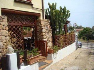 Foto 1 di Villa via Laconi Renzo 1, Dorgali