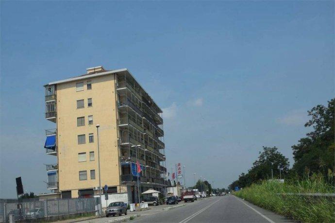 Foto 19 di Trilocale corso SAVONA, 12, Villastellone