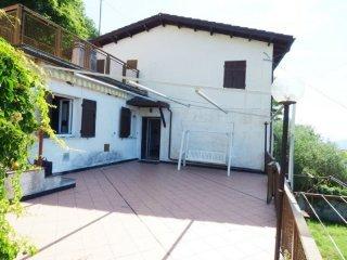 Foto 1 di Casa indipendente via Ognio, frazione Ognio, Neirone