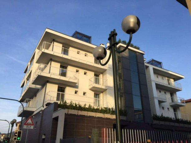 Foto 1 di Bilocale piazza Hermada  2, Torino (zona Precollina, Collina)