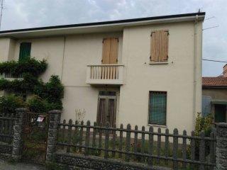 Foto 1 di Villa via Adelmo Nicolai 4, frazione Santa Maria Codifiume, Argenta