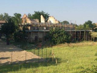 Foto 1 di Rustico / Casale strada Case Massi, frazione Ponte Taro, Fontevivo