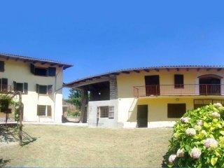 Foto 1 di Villa strada Provinciale 9 61, Mombello Monferrato