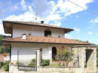 Foto 1 di Villa via Doni 2, Monastero Di Vasco