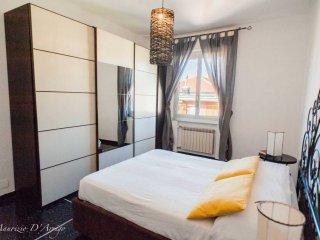 Foto 1 di Appartamento via Coronata, Genova (zona Cornigliano)
