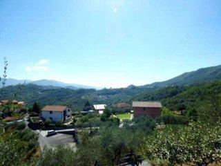 Foto 1 di Trilocale via Camposasco ., San Colombano Certenoli