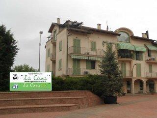 Foto 1 di Appartamento piazza Alfieri 11, Villanova D'asti