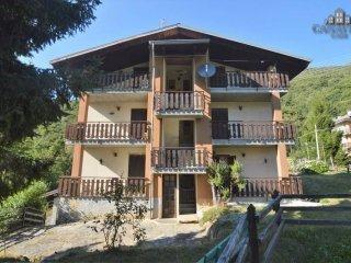 Foto 1 di Palazzo / Stabile via Alpi Graie 20, Frassinetto