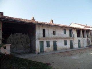 Foto 1 di Rustico / Casale Frazione Ceretto, 77, Carignano
