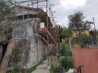 Foto 1 di Villetta via viano 148, La Spezia (zona La Chiappa, Sant'Anna, Marinasco, Sarbia)