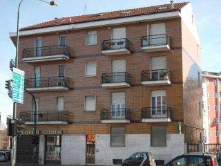Foto 1 di Quadrilocale via SANSOVINO, Torino (zona Lucento, Vallette)
